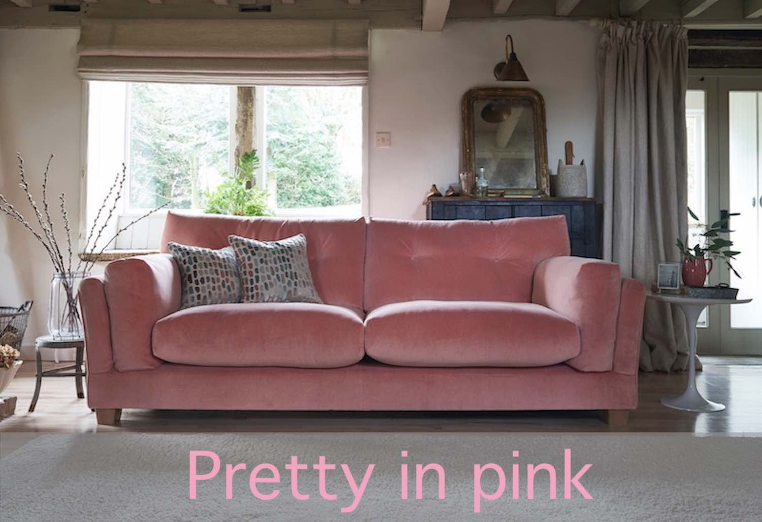 Choose a pink sofa for summer 2019