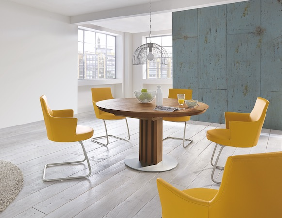 Venjakob round extending dining table